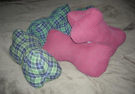 Member Reviews For Self Drafted Pattern Dog Bone Shaped Neck Pillow 335749 1001