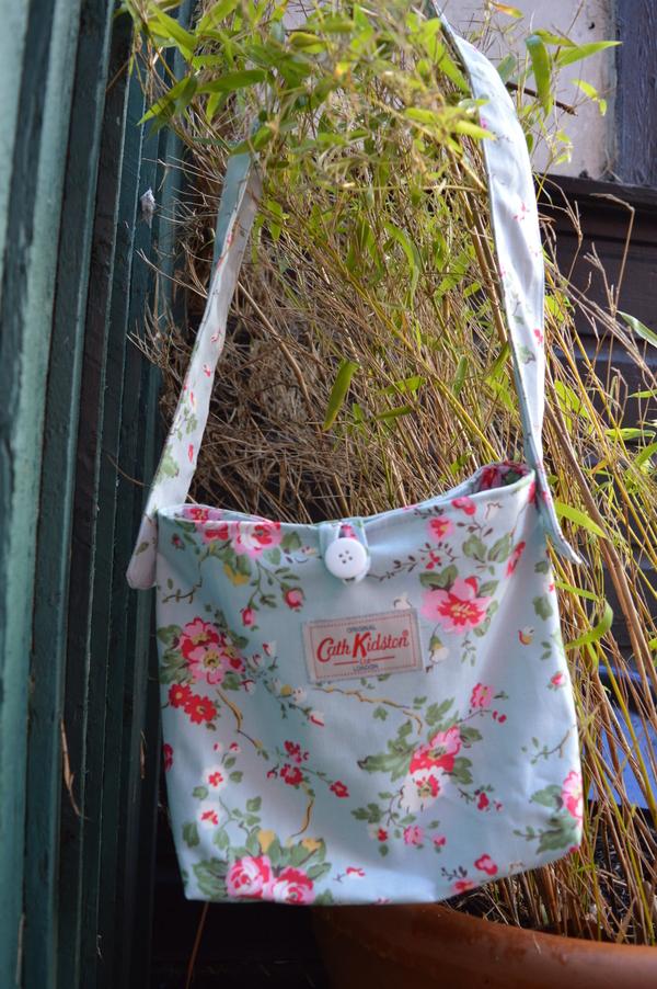 No Pattern Used Shoulder Bag Cath Kidston Sew Book