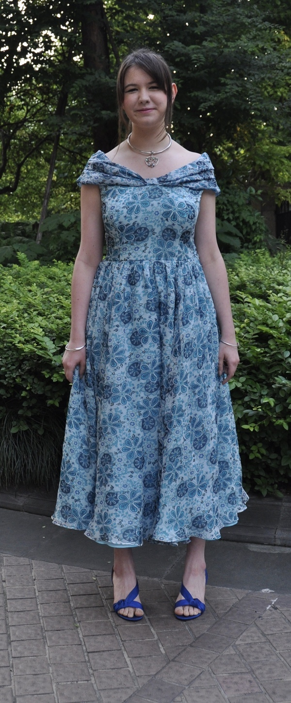 BurdaStyle Downloadable Vintage Fiore Dress #V1 pattern review by lamstu
