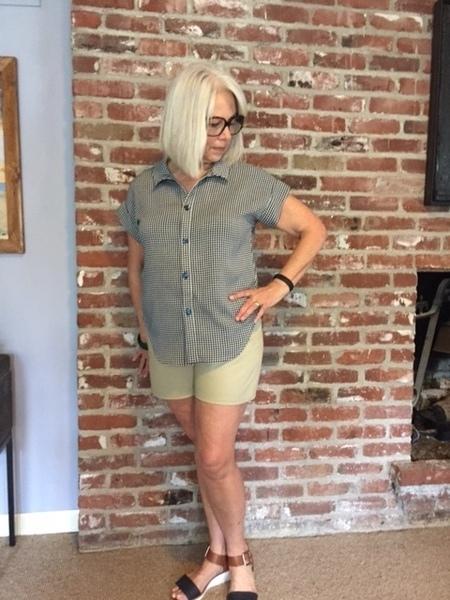 Vogue Easy SEWING PATTERN V9008 Misses Shorts 6-14 Or 14-22