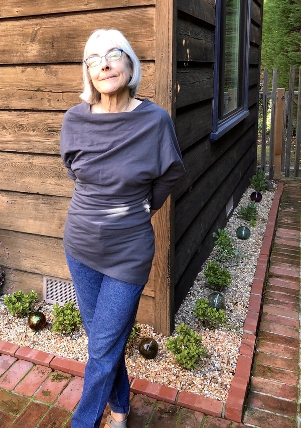 BurdaStyle Magazine Trapezoid top 02-2018-107 pattern review by degnancy 70e247cd3ece