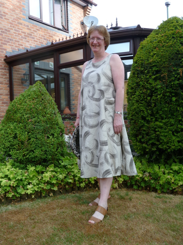 245fa9854d Tessuti Lily Linen Dress pattern review by DeeDee32