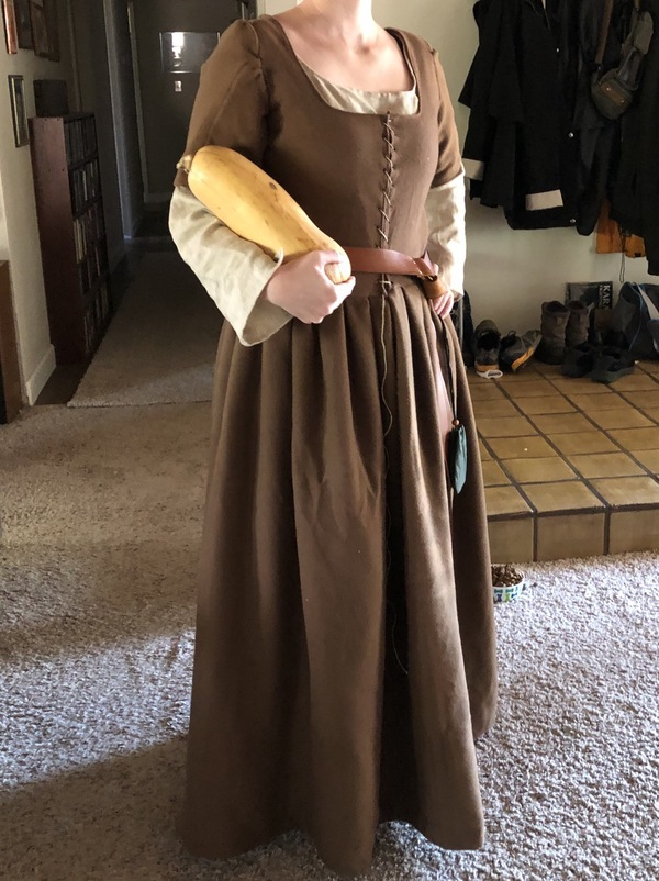 Reconstructing History 15th century Women's kirtle & 002